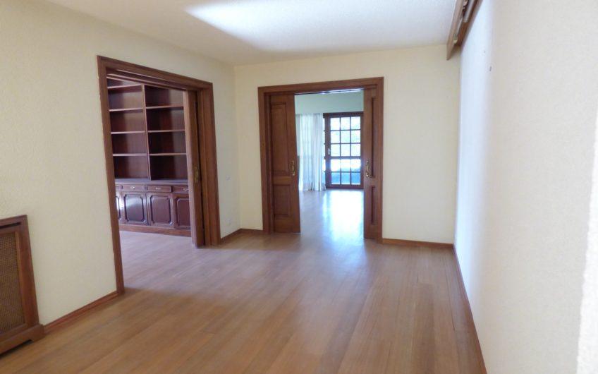 BOADILLA DEL MONTE. Las Lomas. Chalet individual. Espectacular. 8 dormitorios, 7 baños, aseo. Alarma. Piscina.2032