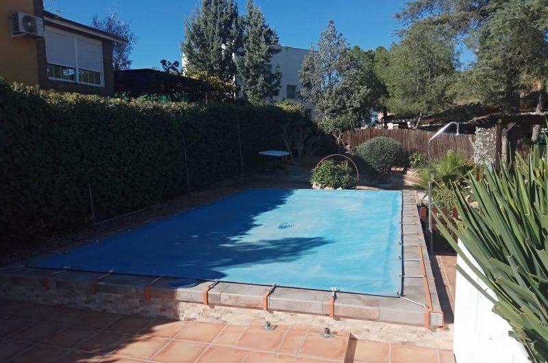 Venta de Chalet con piscina, en la mejor urbanización de Aranjuez.