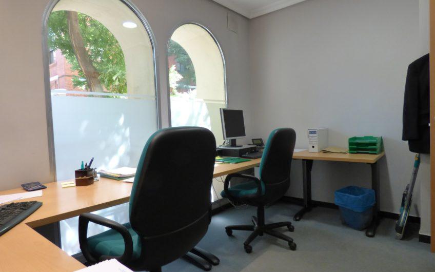 Impecable Oficina en Zurbano en Edificio representativo. Reformada recientemente con magnificas calidades. – 5640