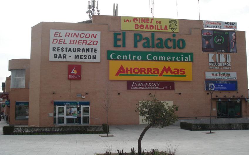 ALQUILER. Local Ideal restauración  en el CENTRO COMERCIAL EL PALACIO.