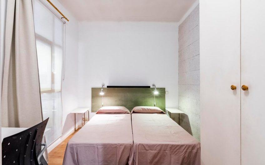 Se vende piso de 5 dormitorios en Princesa – Conde Duque.