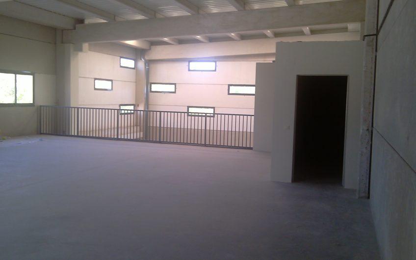 Naves en venta y alquiler desde 500 metros a 2.400 metros en Parque Oeste, Alcorcón